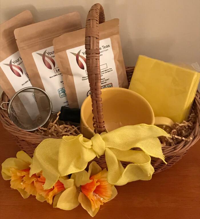 Tea Gift Basket by Susie - Generic Tea Basket With Three Teas