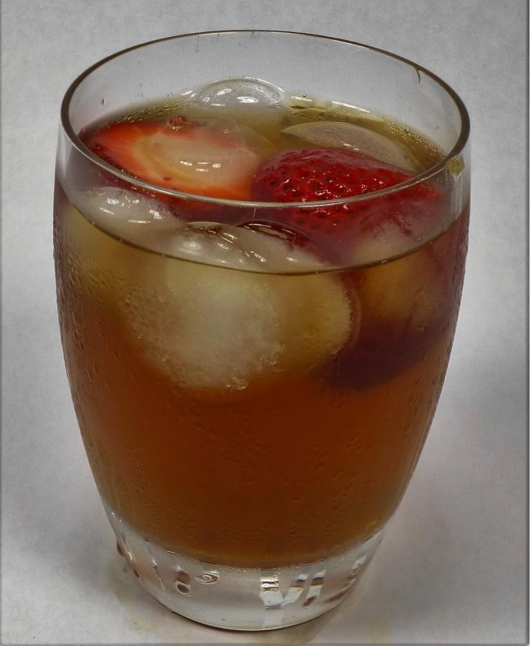 Earl Grey Tea Iced With Strawberries