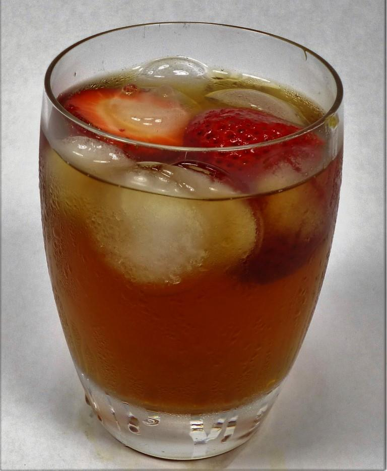 Loose Leaf Earl Grey Tea - Embassy House Blend Iced With Organic Strawberries